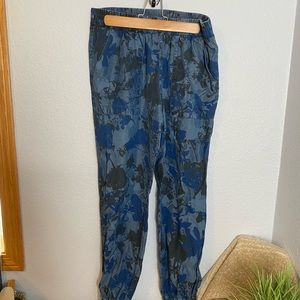 Juicy Couture lightweight joggers size medium